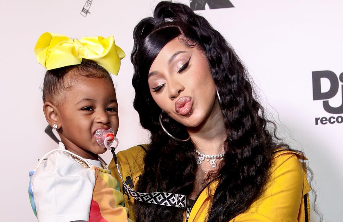La rapera de origen dominicano Cardi B controla su propia música a su hija